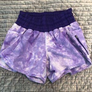 Lululemon Tracker. Size 6. Purple tie dye.